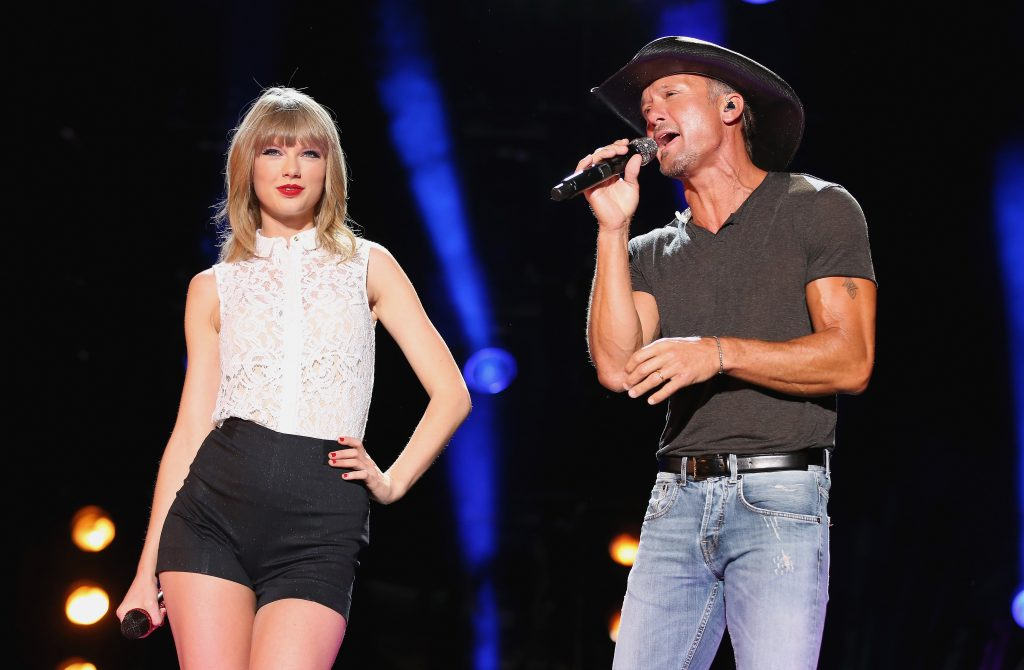 Taylor Swift And Tim McGraw Performing