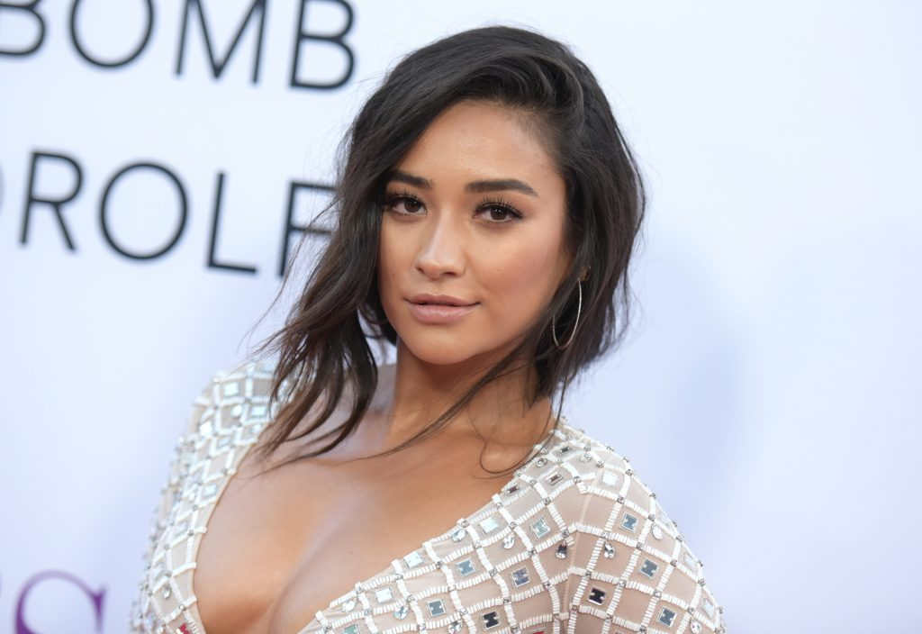 Canadian Actress Shay Mitchell Wiki  Bio  Age  Height