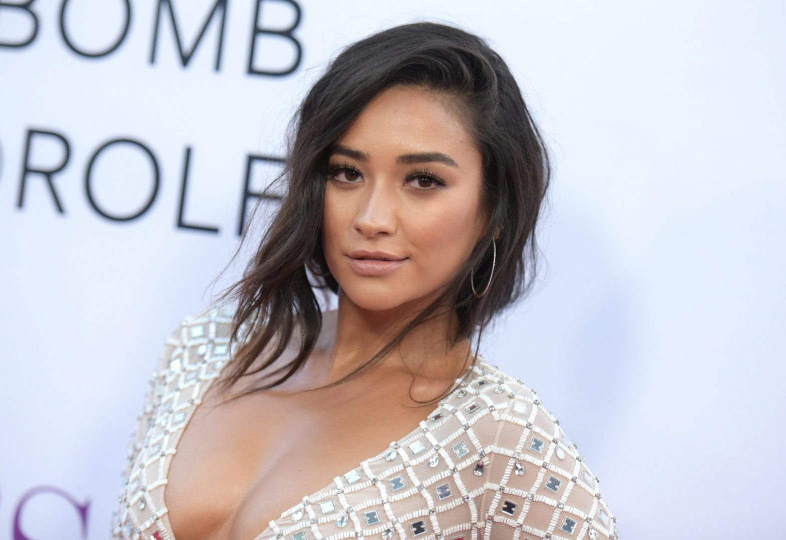 0ee45596b0599 Canadian Actress Shay Mitchell Wiki