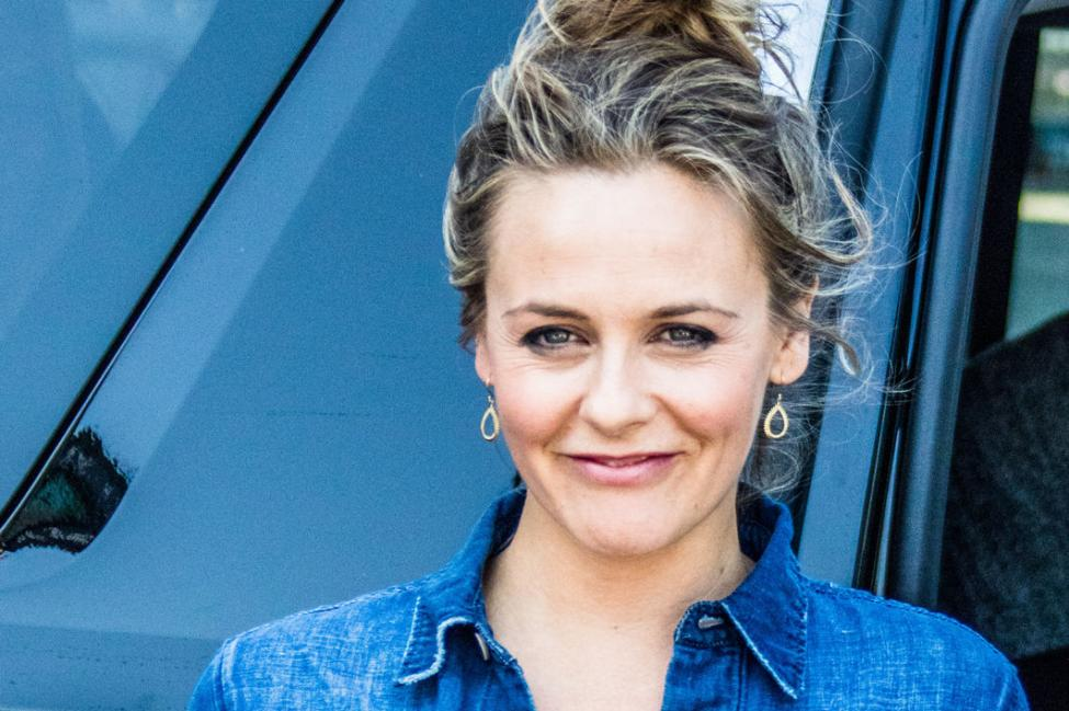 American Actress Alicia Silverstone Wiki, Bio, Age, Height ...