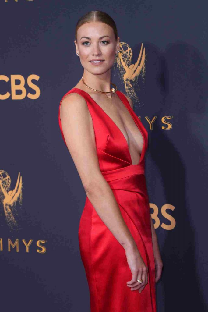 Yvonne Strahovski Bio Age Height Education Career Net Worth Best collection of most beautiful moon pictures amazing tim loden nature. yvonne strahovski bio age height