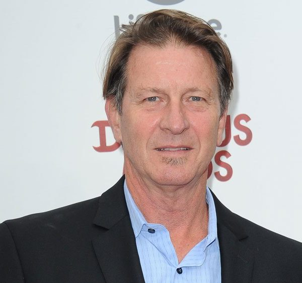 Brett Cullen Biography